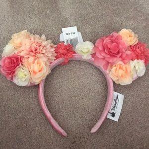 Disney parks flower Minnie ears